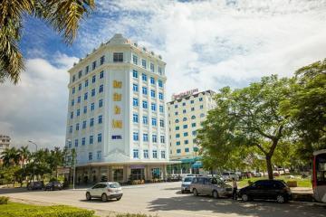 Khách sạn Newstar Halong.