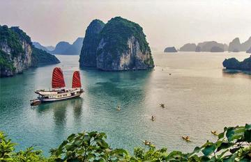 Vịnh Hạ Long lọt top kỳ quan thiên nhiên đẹp nhất thế giới