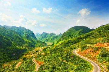 Hà Nội - Tây Bắc : Đền Hùng - Nghĩa Lộ - Tú Lệ - Mù Cang Chải - Yên Bái - Sapa - Điện Biên - Sơn La - Mộc Châu - KDL Happy Land - Tặng Show Múa Xòe Dân Tộc Thái