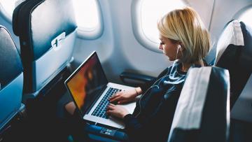 Việt Nam cấm mang máy tính Macbook Pro 15 inch lên máy bay