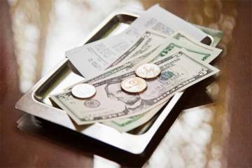 Sự khác biệt về tiền tip ở Việt Nam và thế giới