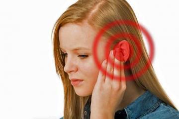 Cách phòng tránh ù tai trên máy bay