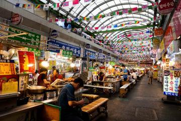 Khám phá Dongdaemun - Khu mua sắm lớn nhất Hàn Quốc làm nức lòng giới trẻ