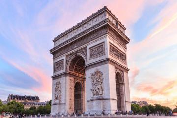NGÀY 2: PARIS - DU THUYỀN SÔNG SEINE (Ăn sáng, trưa, tối)