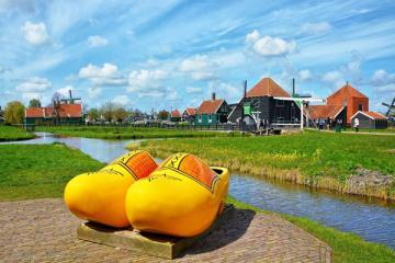 NGÀY 5: AMSTERDAM - GIETHOORN - ZAASE SCHANS (Ăn sáng, trưa, tối)