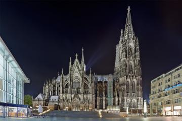 Ngày 2 (6/2): FRANKUFRT  – COLOGNE -  AMSTERDAM